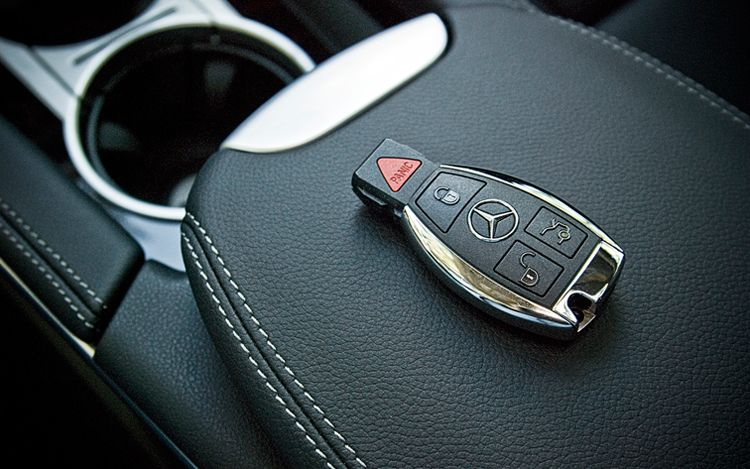 Mercedes Benz key fob problems resolved at Performance Services (334) 749-1588